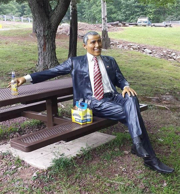 Obama S'Amuse
