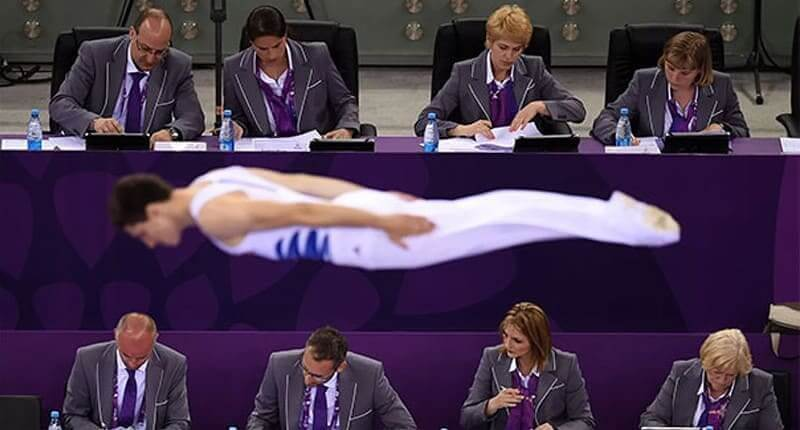 100 Perfectly Timed Photos That Will Mess with Your Brain