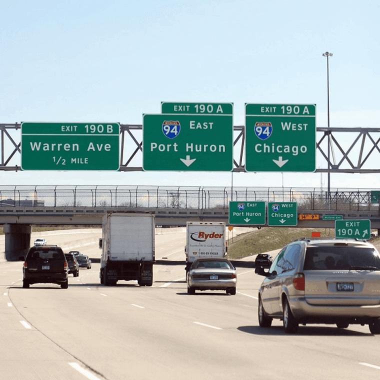 Pon Atención A Las Señales De La Autopista