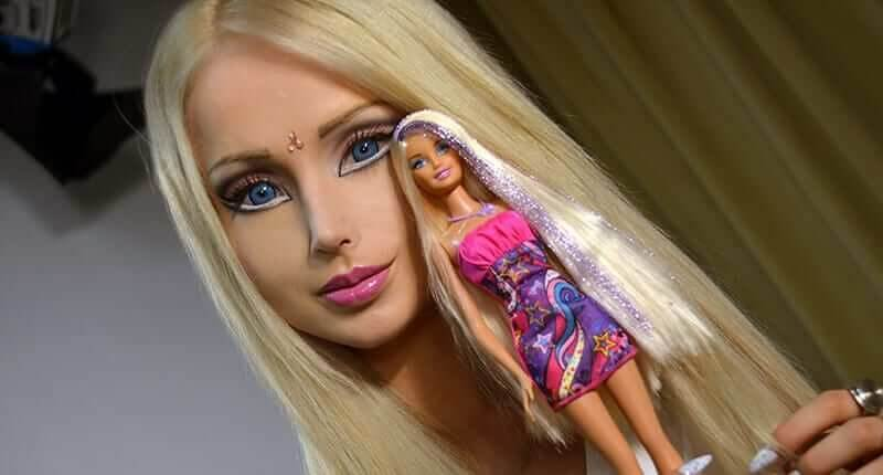 The Real Story Behind The Extraordinary Life Of The 'Human Barbie'