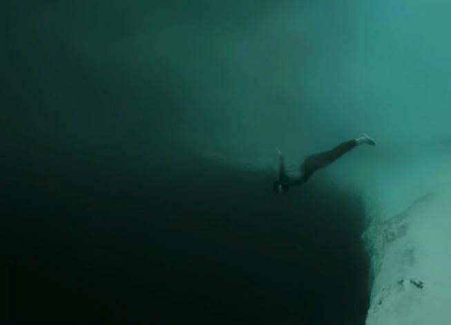 Vamos Nadar Dentro do Abismo