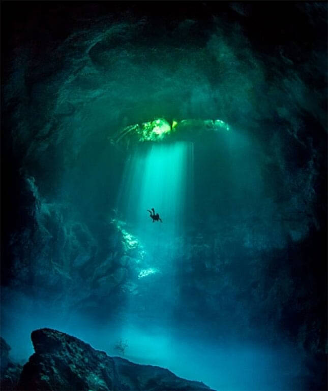 Dentro do Azul Profundo