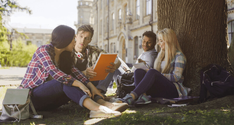 Here's What You Should Consider When Choosing Your University
