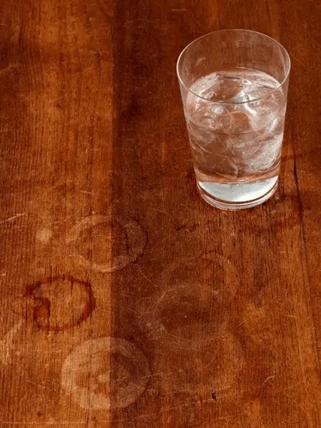Limpia Las Manchas De Los Vasos De Tus Muebles
