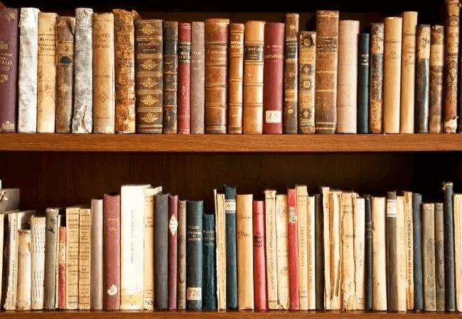 Combate El Olor De Los Libros