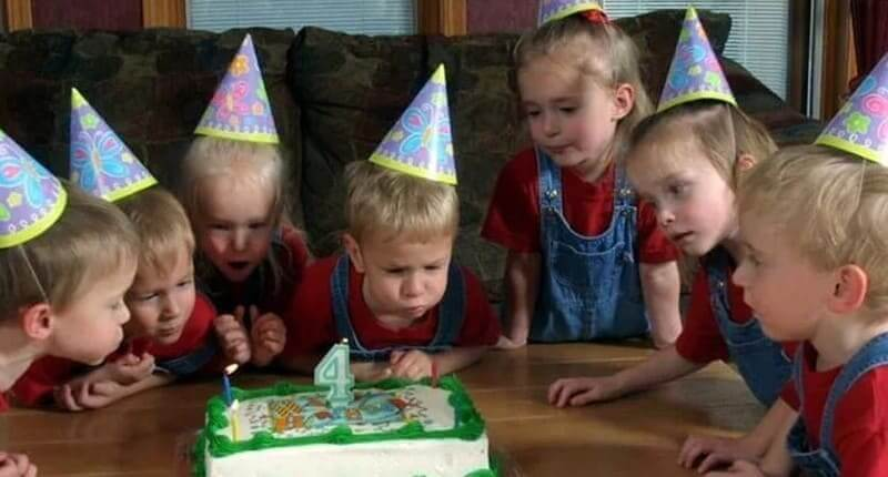 The Fascinating Life-Story of The World's First Surviving Septuplets