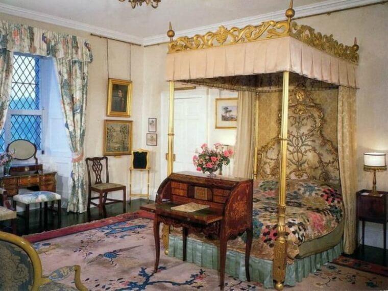 La Habitación de la Reina, Reino Unido
