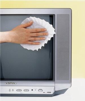 Limpe TVs E Outras Telas Com Um Filtro De Café