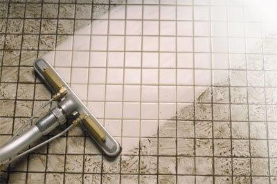 Limpe Seu Banheiro Com Alvejante E Bicabornato
