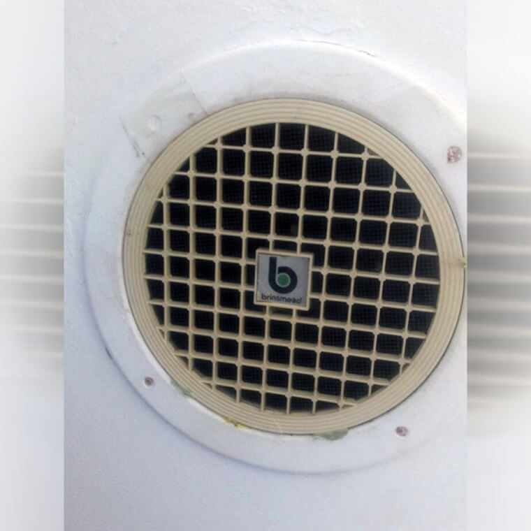 This '70s Air Vent Has The Same Logo As Beats By Dr. Dre