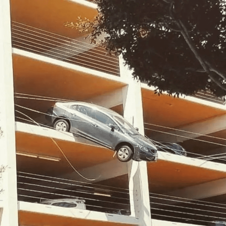 Car Parking - People Whose Amazing Luck Is So Unreal It Seems Like Magic