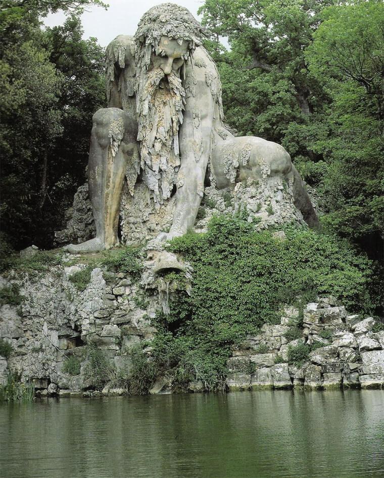 Quer Viver Dentro De Uma Escultura Gigante?