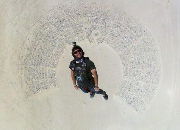 Skydiving στο Burning Man