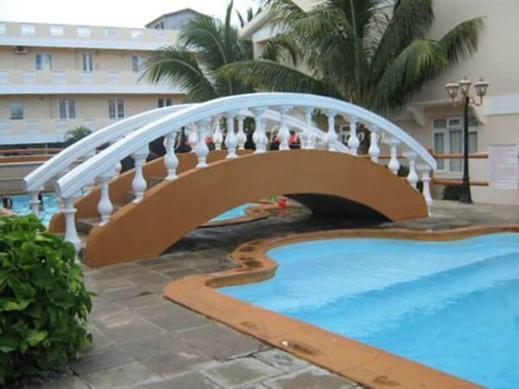 Un Puente Sin Propósito